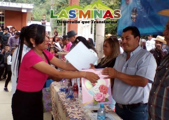 Alcalde Padrino de Generacion en Clausuras de Fin de Cursos