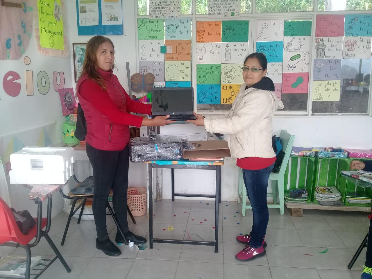 Entrega de Computadora e Impresora a la Primaria de la Loc Romerillos